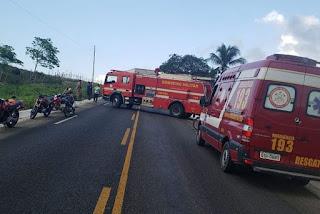 Mulher e bebê morrem em acidente envolvendo dois caminhões na Paraíba