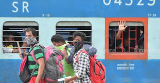 labour-fight-for-food-in-train