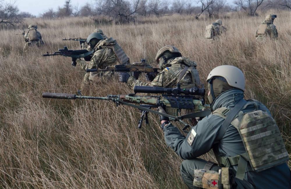 За прошедшие сутки были ранены пятеро украинских воинов, - штаб АТО - Цензор.НЕТ 4174