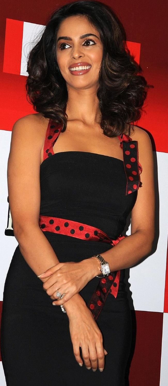 Malika Sherawat Sexy Image