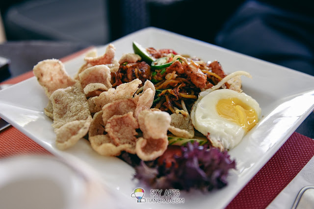 Dining at The Taaras Redang Beach Spa Resort - Buffet breakfast dinner and a la carte the beach brasserie BBQ dinner