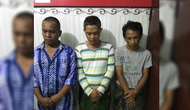 Ketiga pelaku narkoba saat diamankan