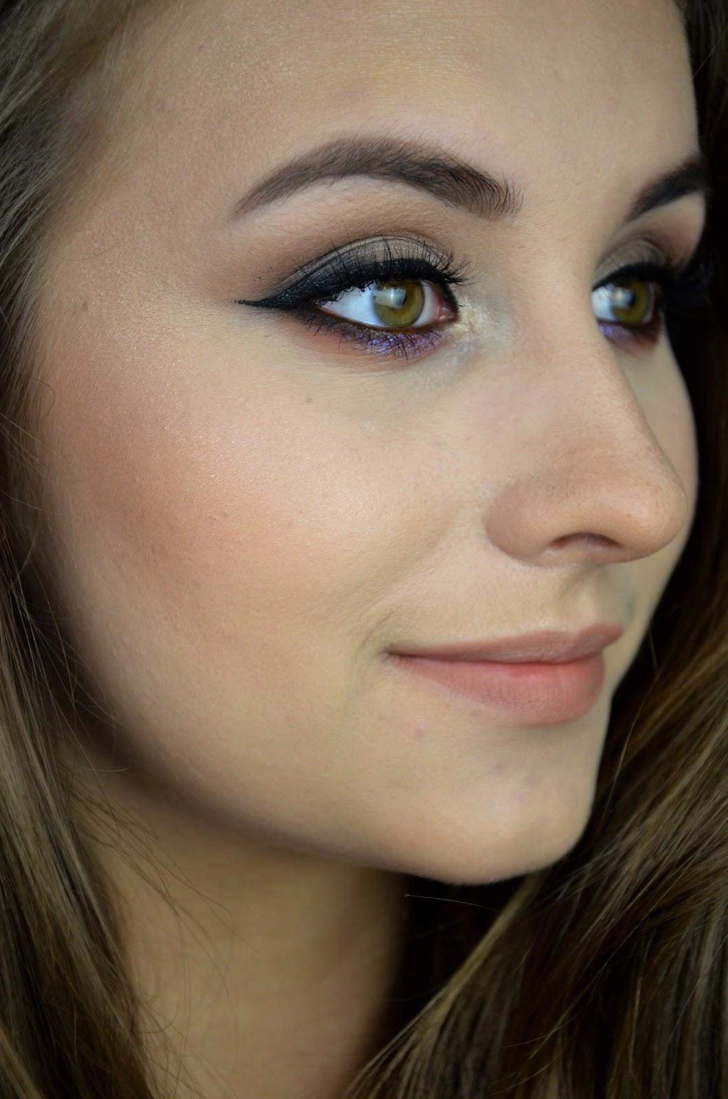 jak podkreślić zielone oczy za pomocą makijażu