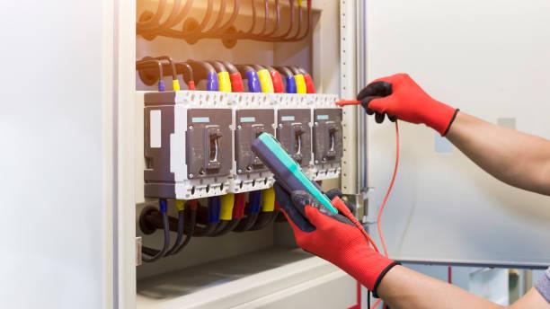 Schneider Electric dan PLN jalin kerja sama untuk perbaiki digitalisasi panel listrik