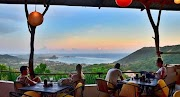 Bersantap Sambil Menikmati Pemandangan Indah Lombok di 5 Restoran Ini*