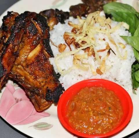 Nasi Uduk Paling Favorit di Bandung