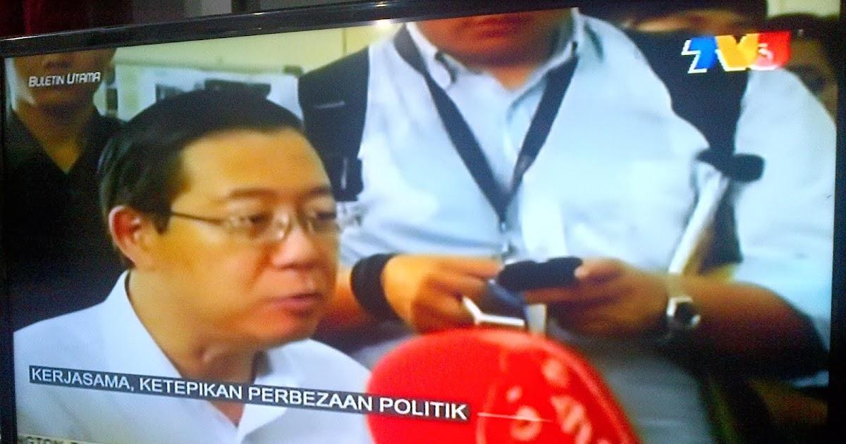 Malay sambil tengok tv3 sambil tue kongkek - 5 10