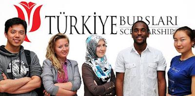 Tiara peraih beasiswa ke Turki