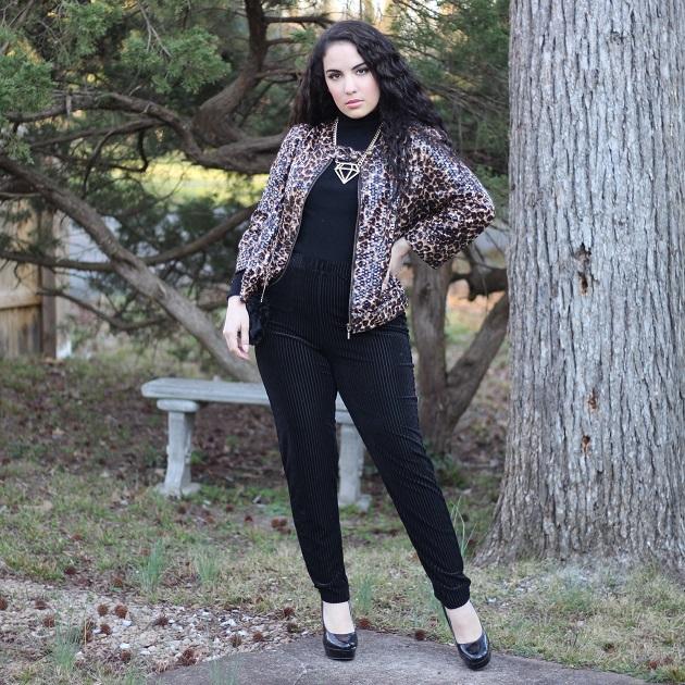 SHEIN Spring Collection: Black Velvet Leggings