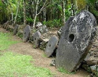 Uang Yang Berasal Dari Batu (Pulau Yap, Kep. Solomon)