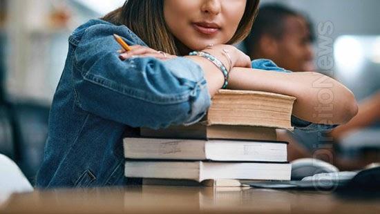 faculdade condenada matricular aluna turma errada