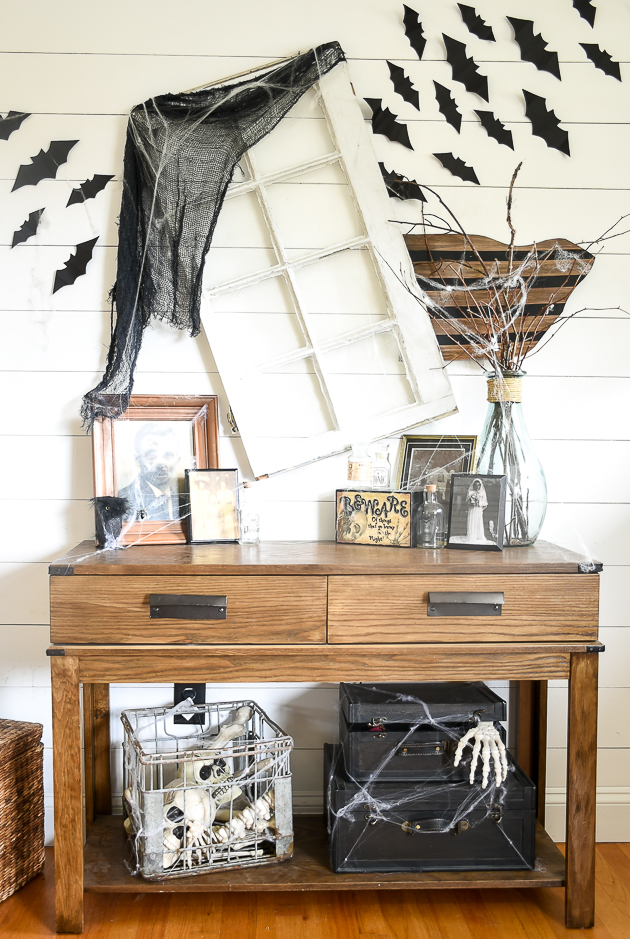 Easy ideas for thirfty Halloween decorating
