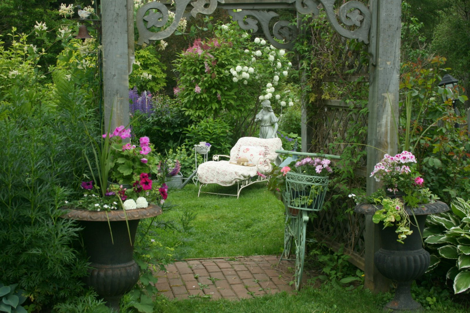 vintage garden chaise real estate house and home