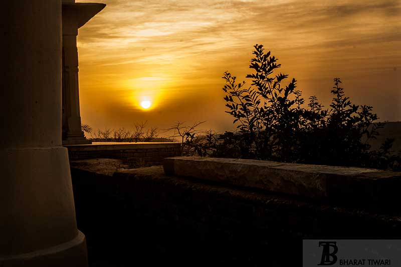 Sunset at Kirti Durg |  Chanderi fort | Qila Kothi —  Photo © Bharat Tiwari