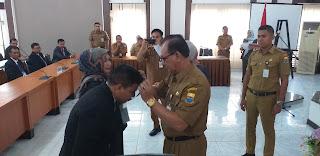 Sekda Provinsi Jambi Secara Resmi Menutup Pendidikan Dan Pelatihan Kepemimpinan Tingkat IV Angkatan XII Provinsi Jambi Tahun 2019.