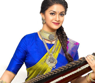 Mana Keerthy Suresh: Keerthy Suresh with Cute and Lovely Smile in AVR Jewellers Ad Shoot Images