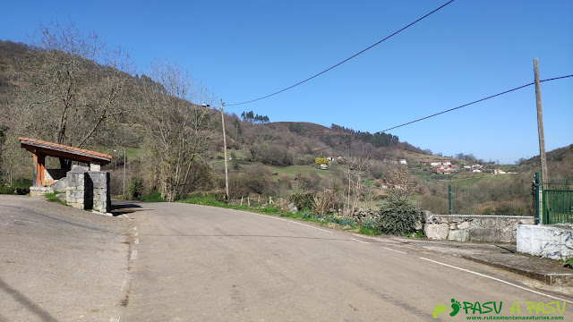 Lavadero y fuente de La Vallina, Siones