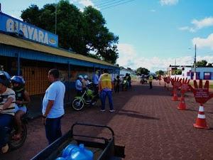 CIRETRAN distribui capacetes e antena gratuitamente aos motociclistas