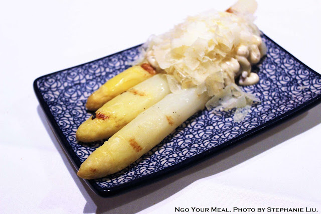 Grilled White Asparagus, Truffled Mayonnaise, and Idiazábal cheese at Igueldo in Barcelona