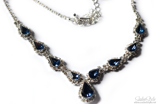 Blue Drop-Shaped Necklace
