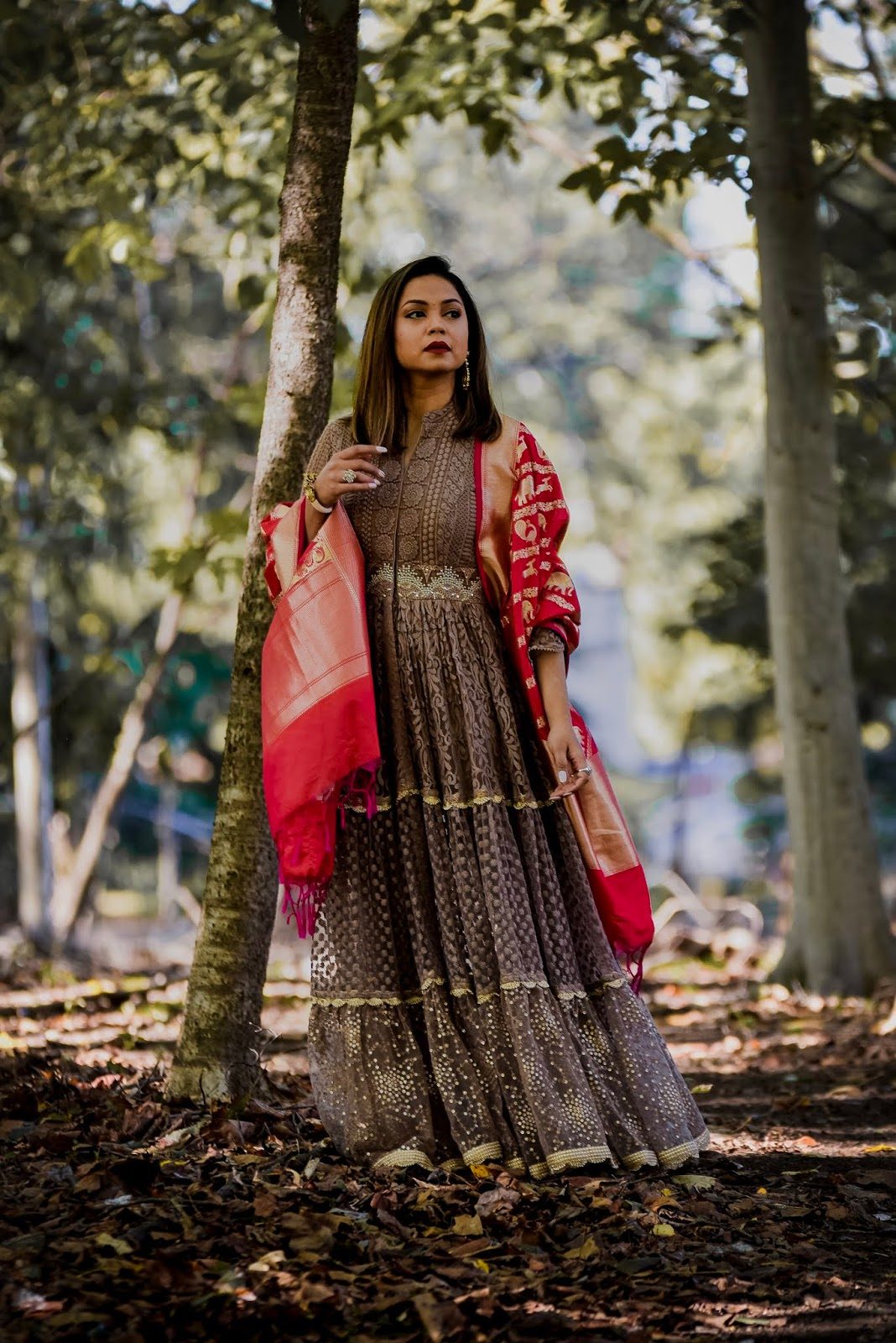 Indian fashion, banarasi dupatta, maxi dress, wedding fashion, traditional look, fashion blogger, pink dupatta, myriad musings, happy diwali, diwali outfit, saumya shiohare