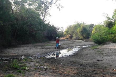 """Hạn hán tại Gia Lai: Hàng trăm tỉ đồng... """"trôi sông"""""""