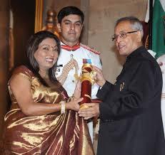 kalpana-saroj-awarded-by-president