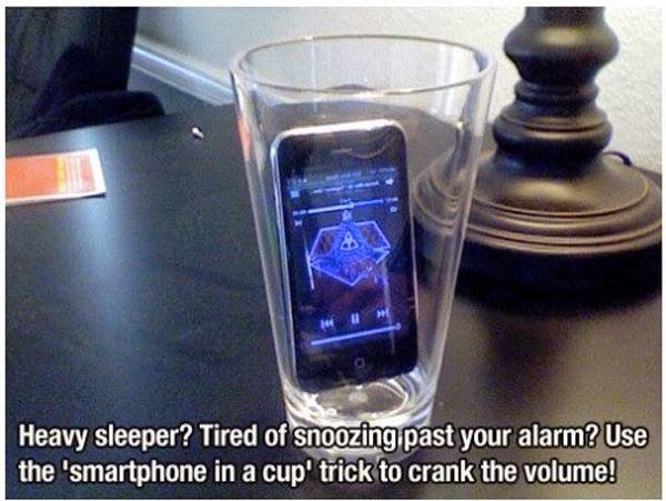 http://1.bp.blogspot.com/-2Q7CZwd6KP4/VGAYU_kwvmI/AAAAAAAACF4/IZLTyJh2VVI/s1600/Tips----Smartphone+in+speaker+to+make+an+alarm.jpeg