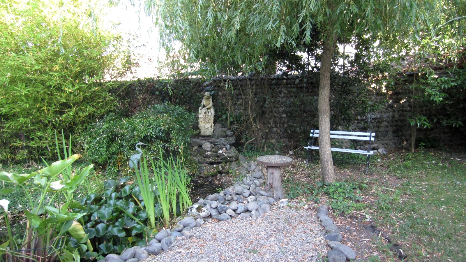 Matin lumineux le temps passe et le jardin change avec for Petit jardin japonisant