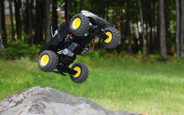 Tamiya Blackfoot Xtreme jump