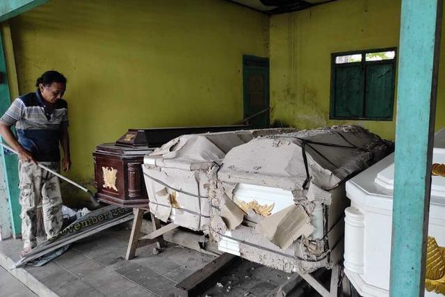 Cerita Penjual Peti Mati: Dulu Belum Tentu Terjual, Selama Pandemi Selalu Kehabisan Stok