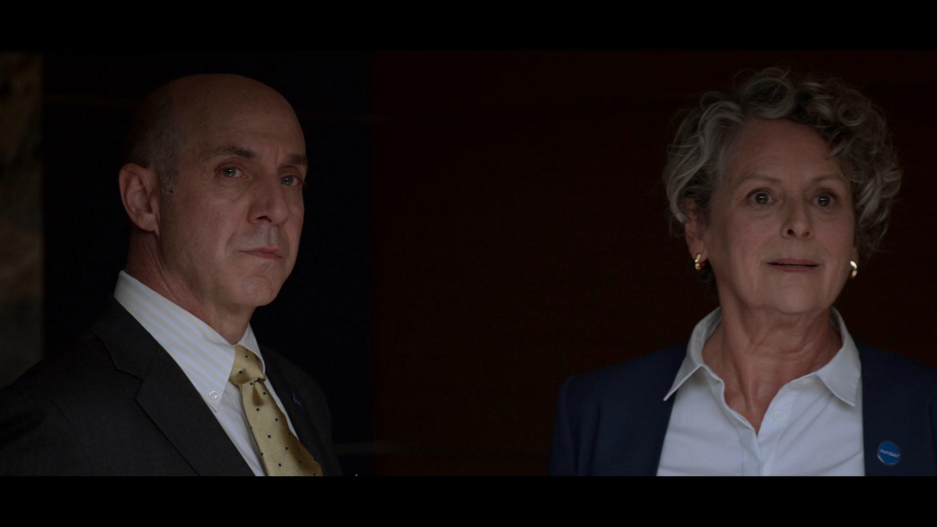 Lejos (2020) Temporada 1 1080p WEB-DL Latino - Ingles