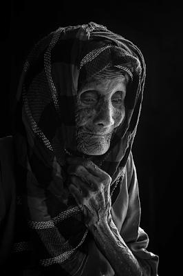 [Giải đáp] -  Mơ thấy bà ngoại đã mất cùng người lạ mặt nói 'đừng cho nó qua đó ngủ nữa'