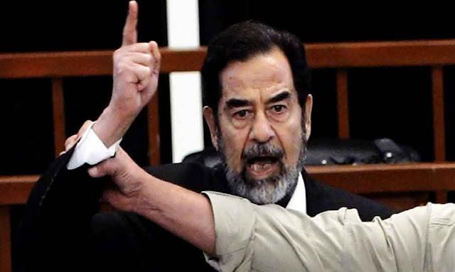 صورة كبيرة لصدام حسين