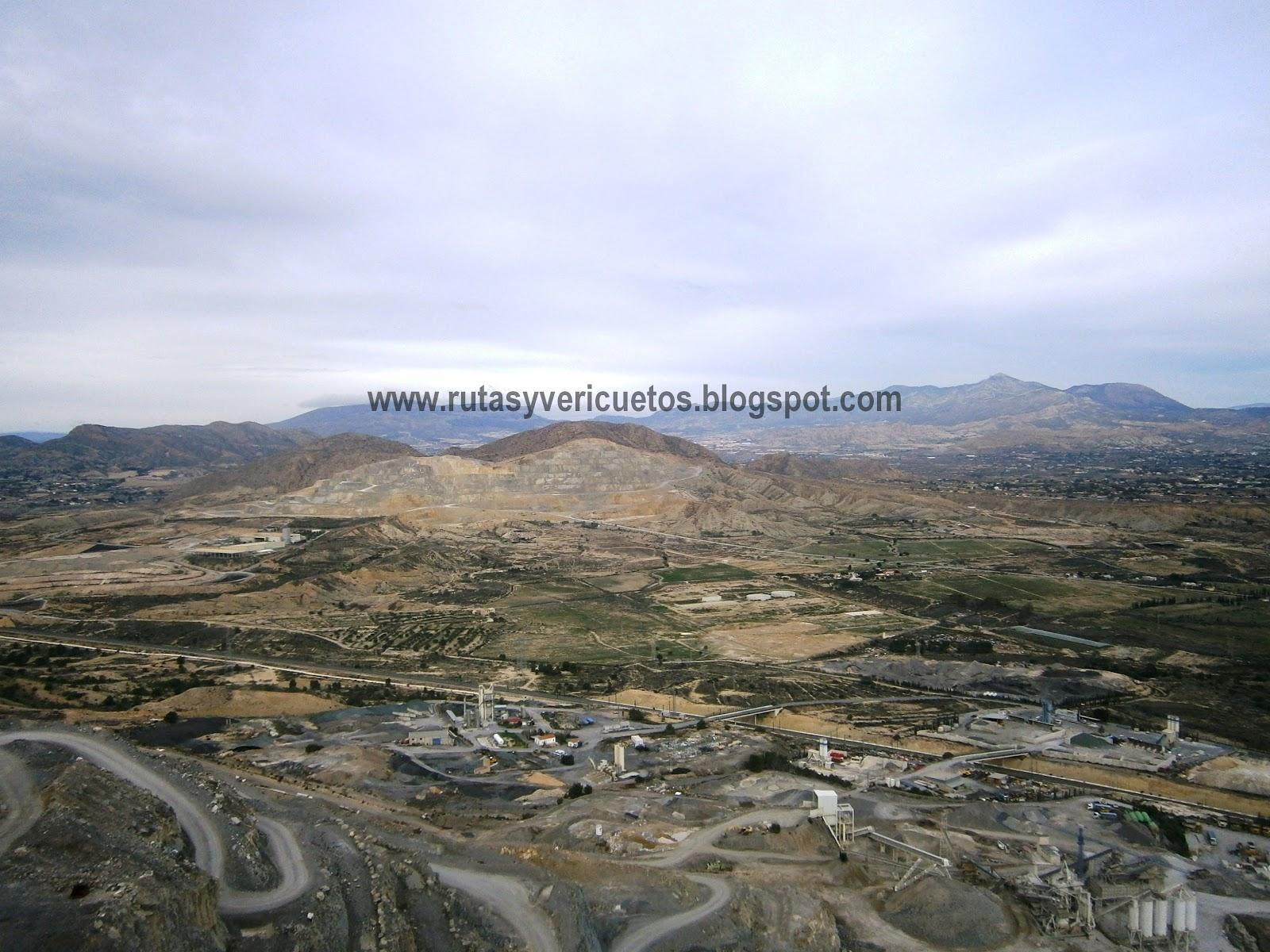 Vista de la partida. Al fondo la Sierra Mediana