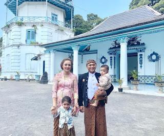 Keluarga dokter Reisa Kartikasari