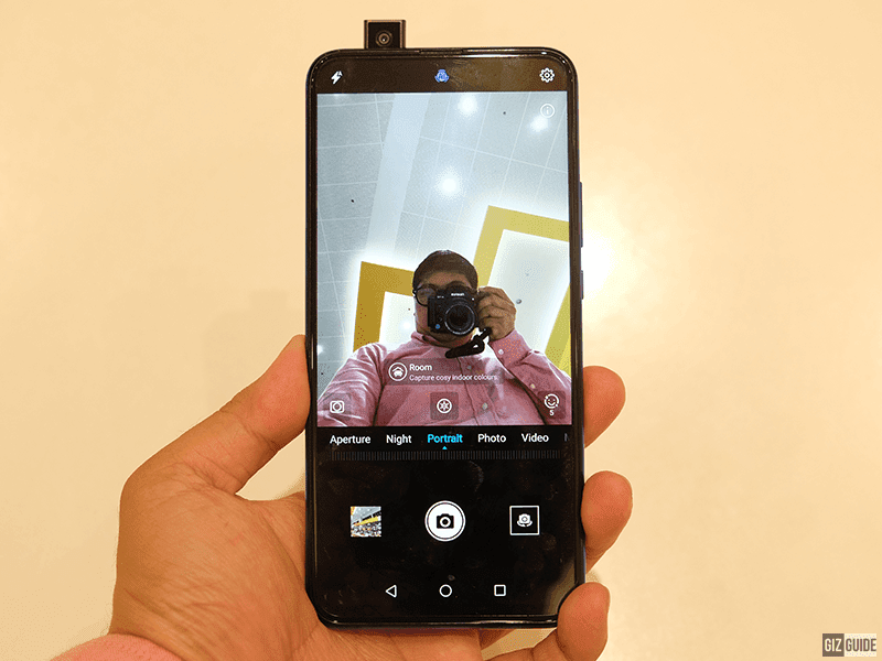 Pop-up selfie camera