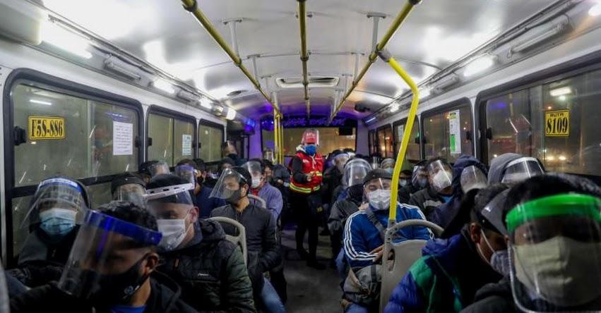 CORONAVIRUS: Desde hoy multarán a quienes transporten pasajeros sin protector facial