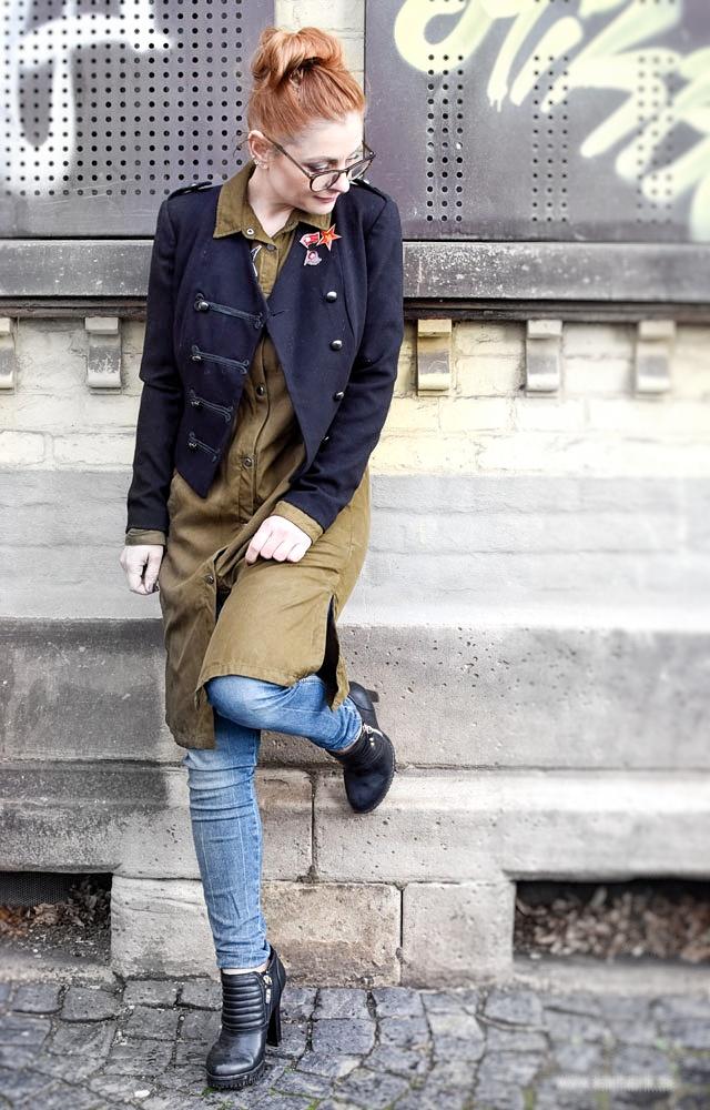 Schwarze Dompteur Jacke mit Jeans kombinieren