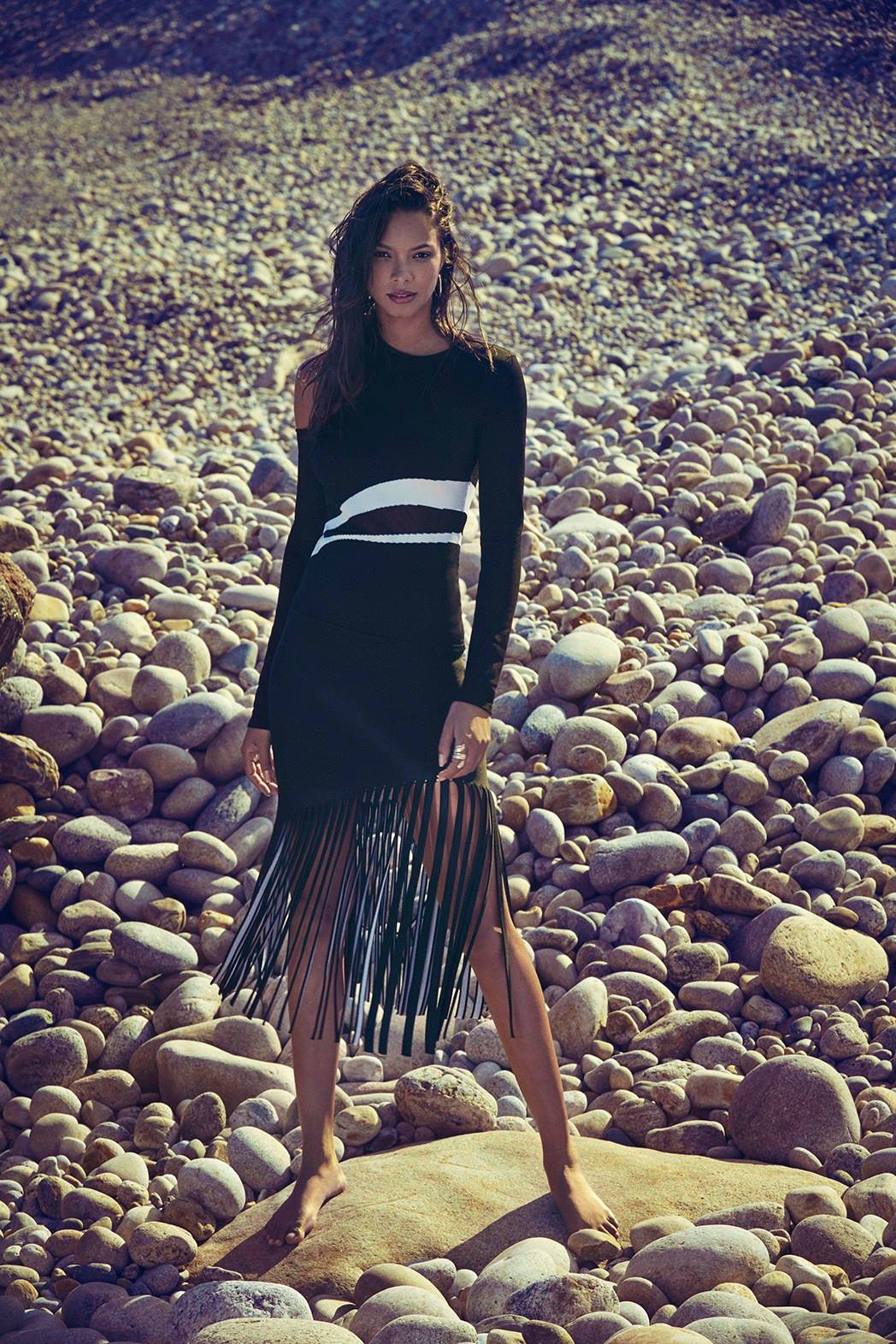 Lais Ribeiro poses in fringed outfit