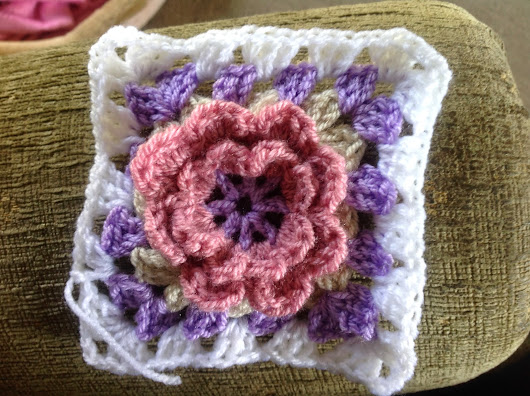 Raised flower granny square