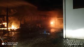 IMG 20191006 WA0008 - Jacobina: Incêndio atinge garagem da Empresa São Luiz e vários ônibus são destruídos