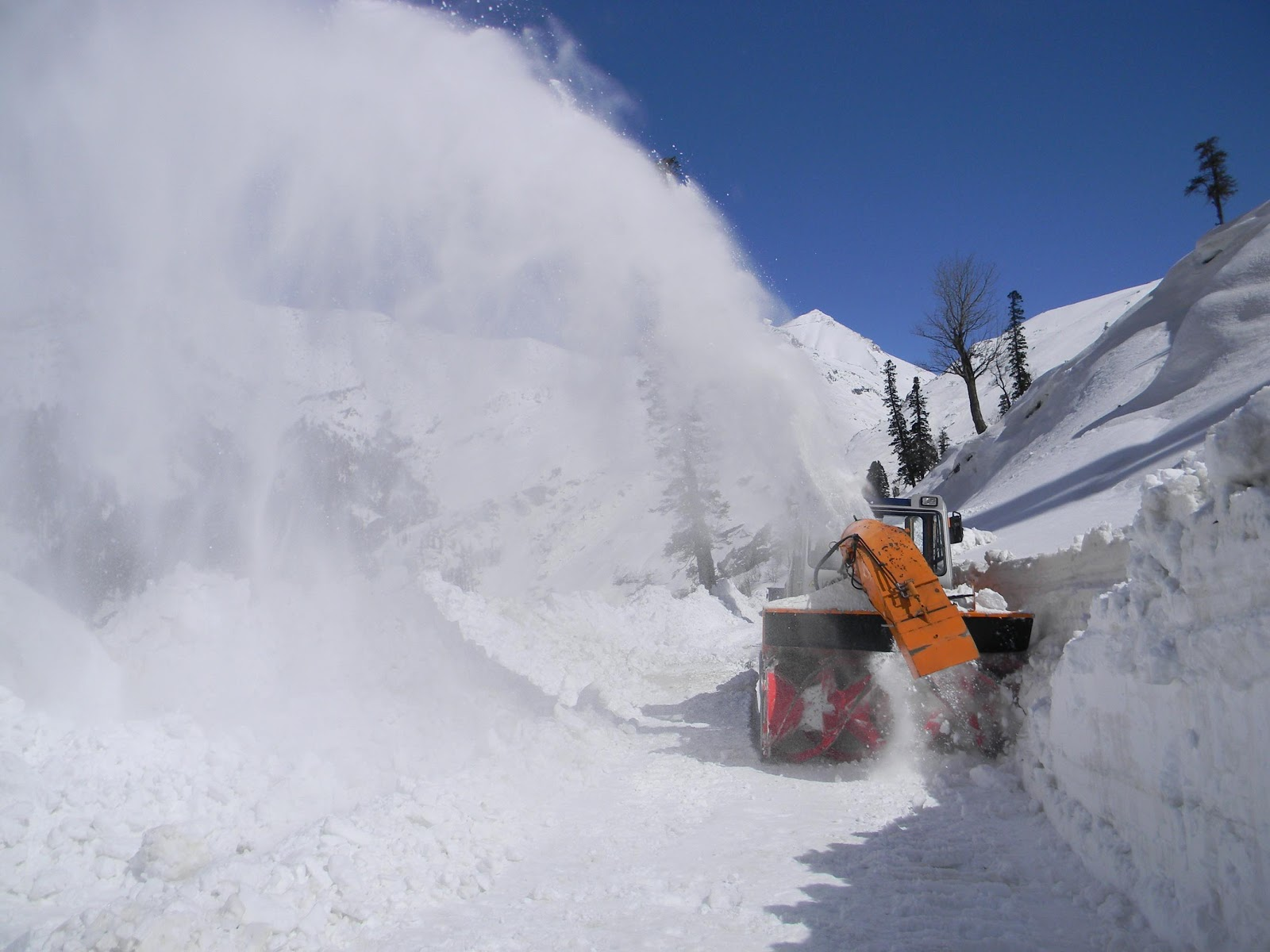 Big Relief For Himachal's Lahaul, Spiti Districts After ... |Rohtang Pass Weather