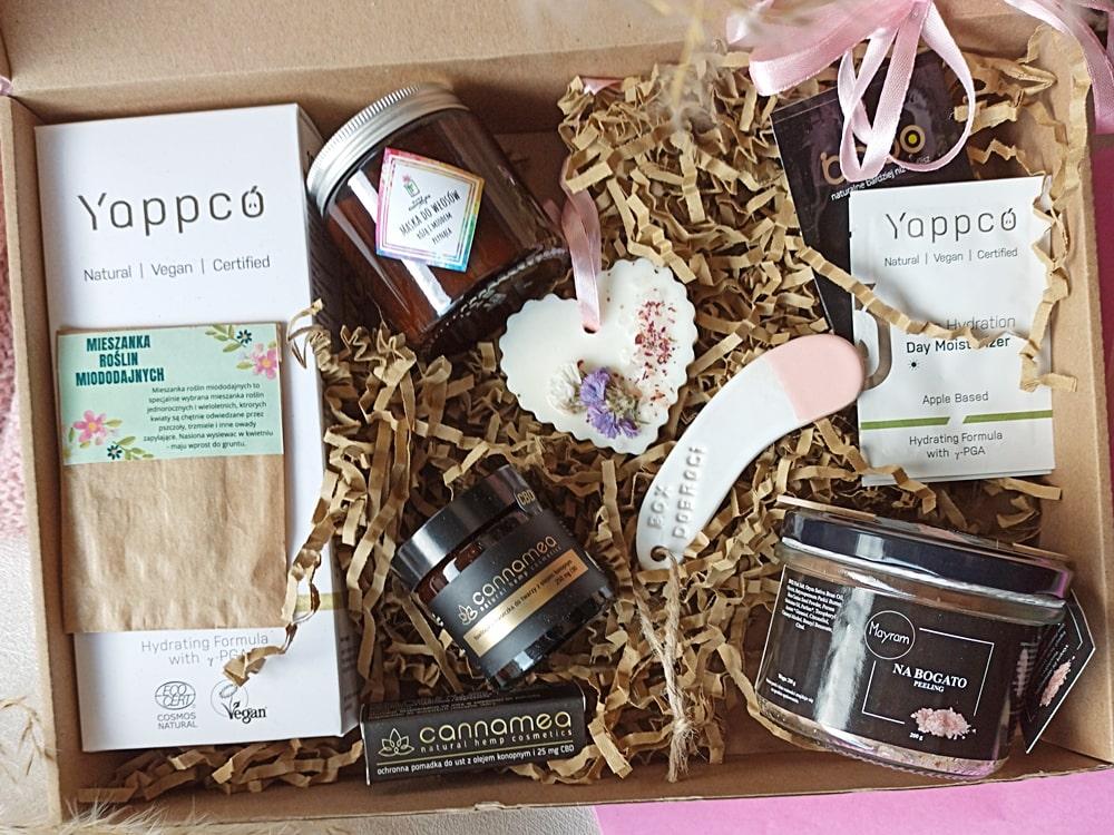 box-z-kosmetykami-naturalnymi