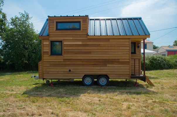 tiny house town the baluchon a 214 sq ft french tiny house. Black Bedroom Furniture Sets. Home Design Ideas
