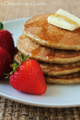 Low-FODMAP Quinoa Flake (or Oatmeal) Pancakes  /  Delicious as it Looks
