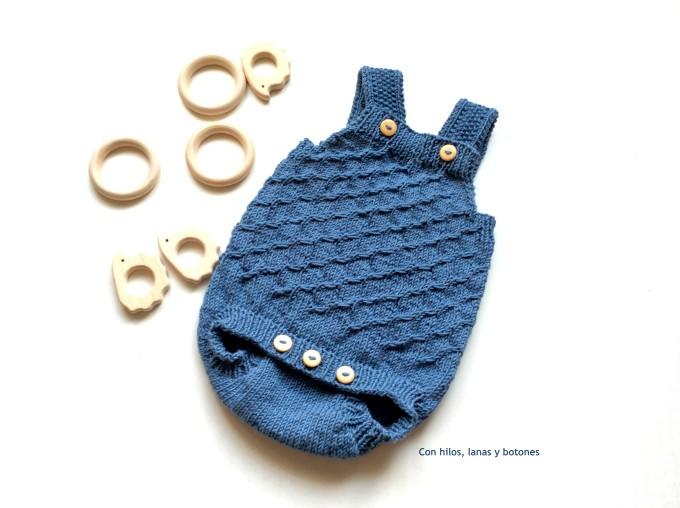 Con hilos, lanas y botones: Pelele Urban (Becharmed knitwear)
