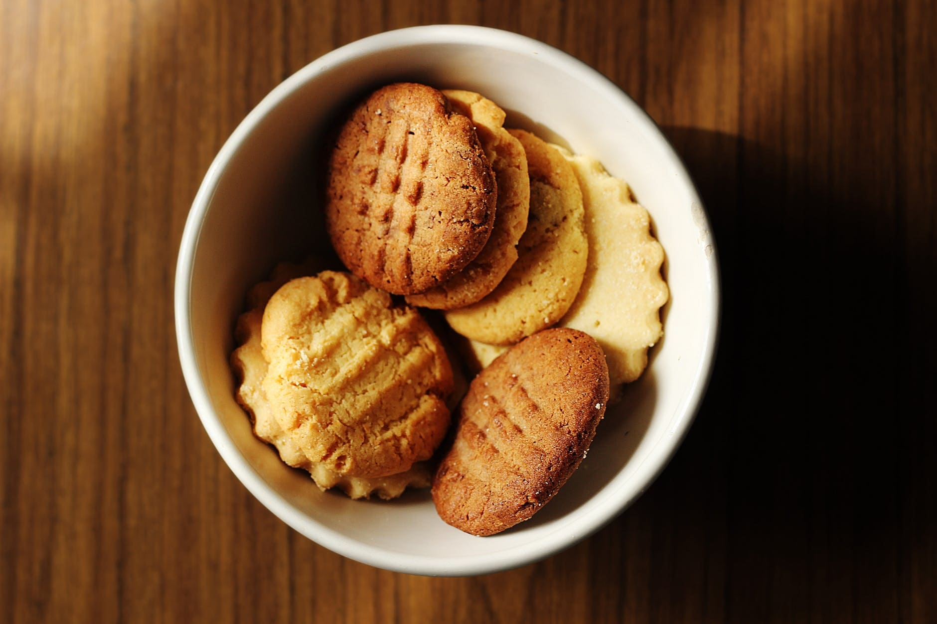 How to make butter biscuits with jam