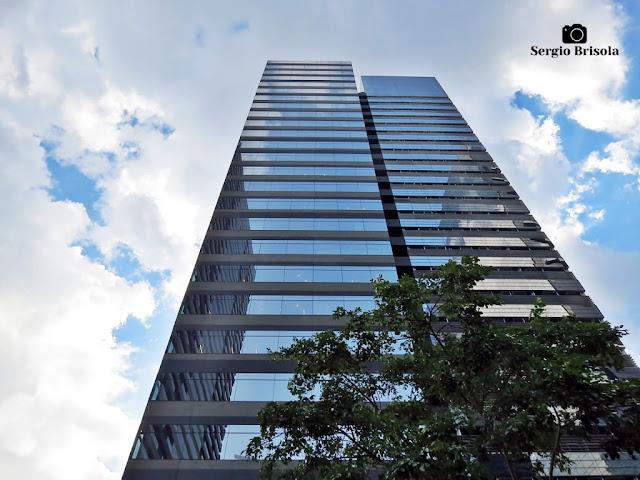Perspectiva inferior da Torre Sucupira - Chácara Santo Antônio - São Paulo