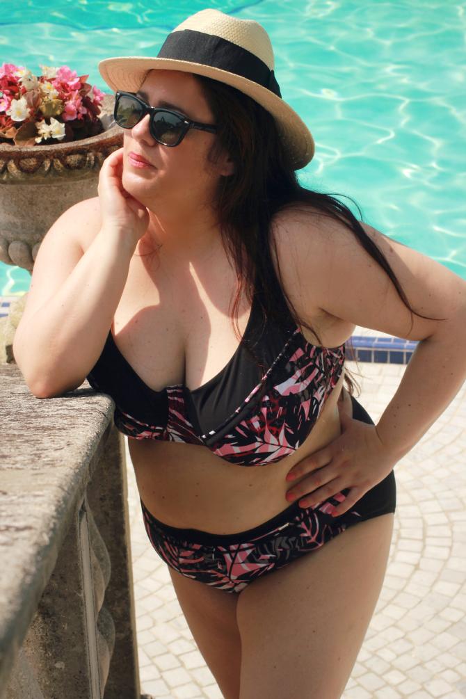 bikini plus suze triumph